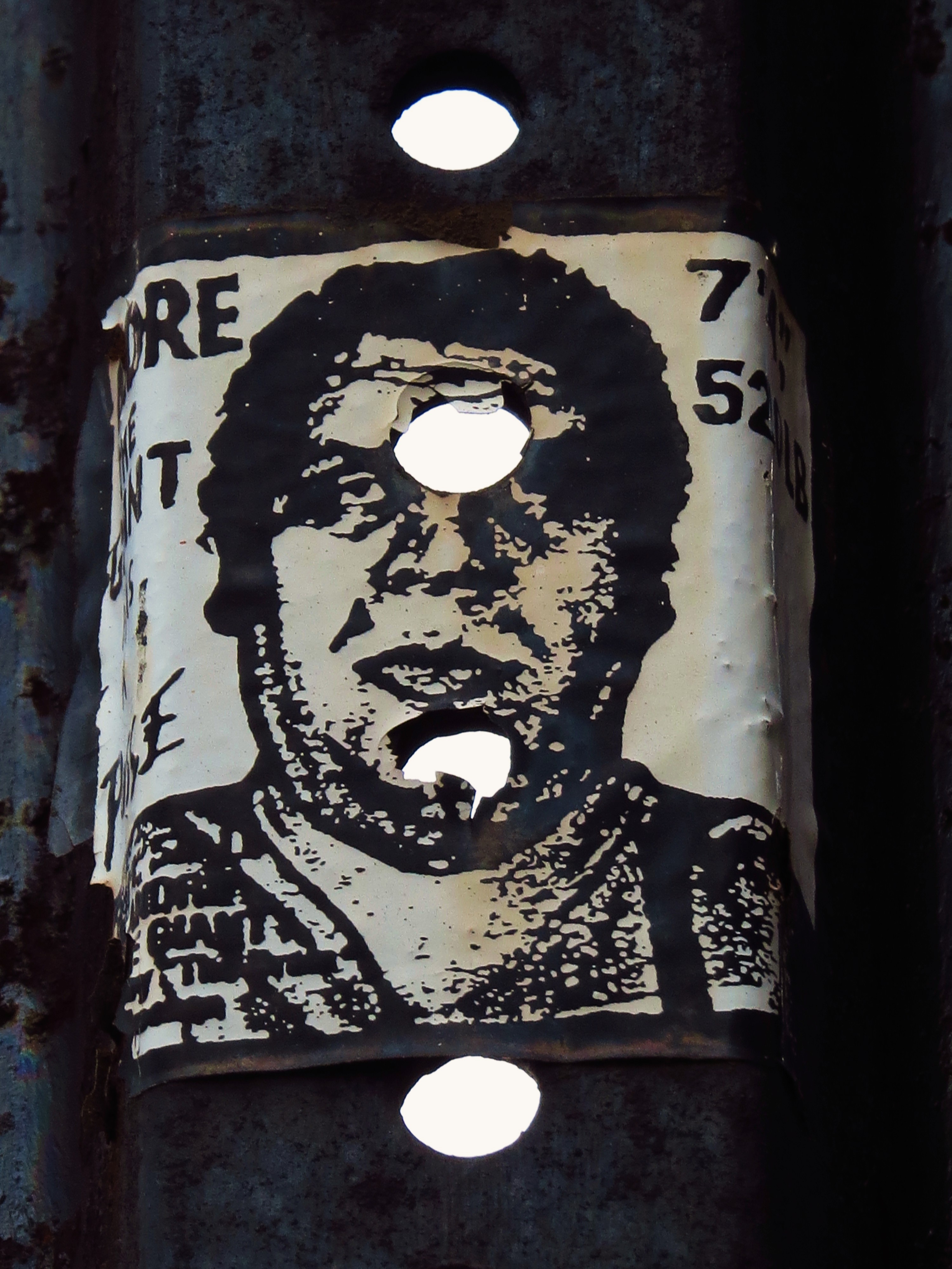 nyc graffiti andre the giant has to obey by shepard