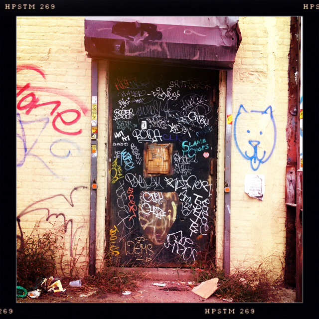 NYC IMAGES: DOORS, PT. 3 (1/6)