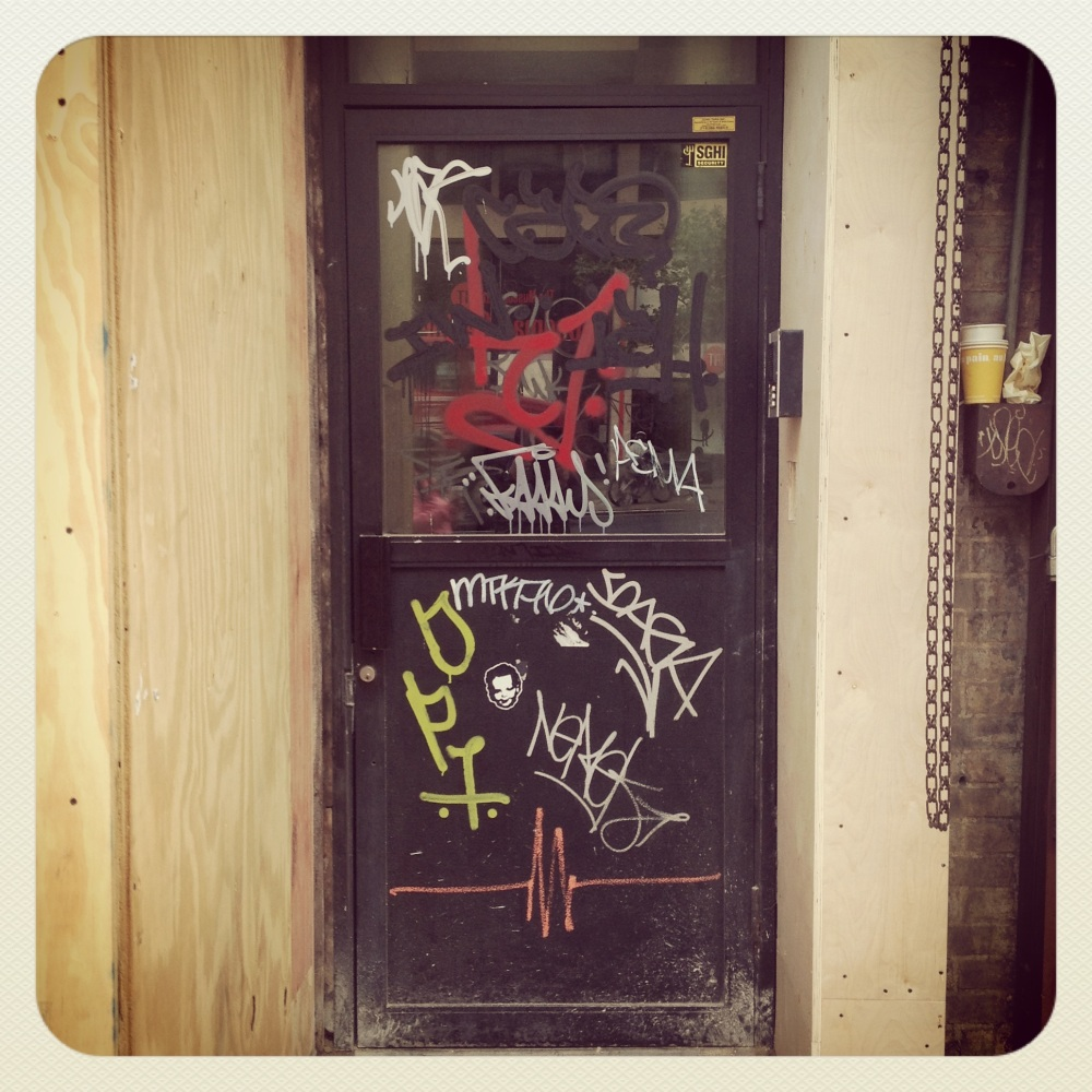 NYC IMAGES: DOORS, PT. 3 (4/6)