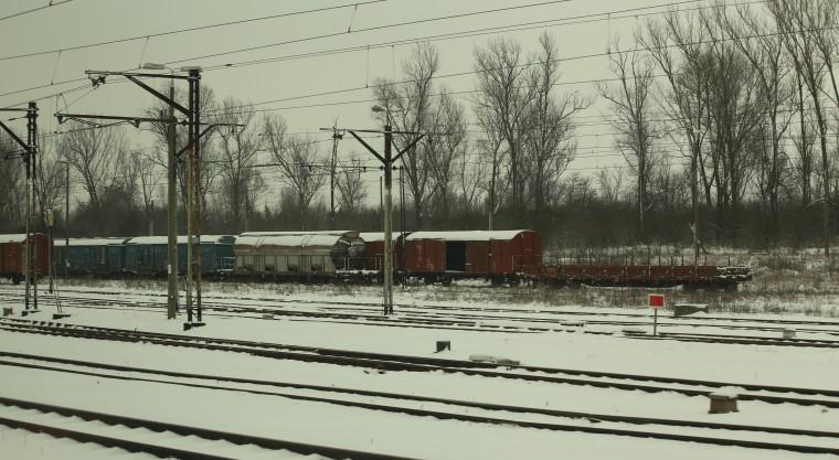 train 083