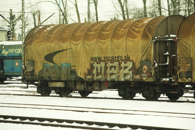 train 090