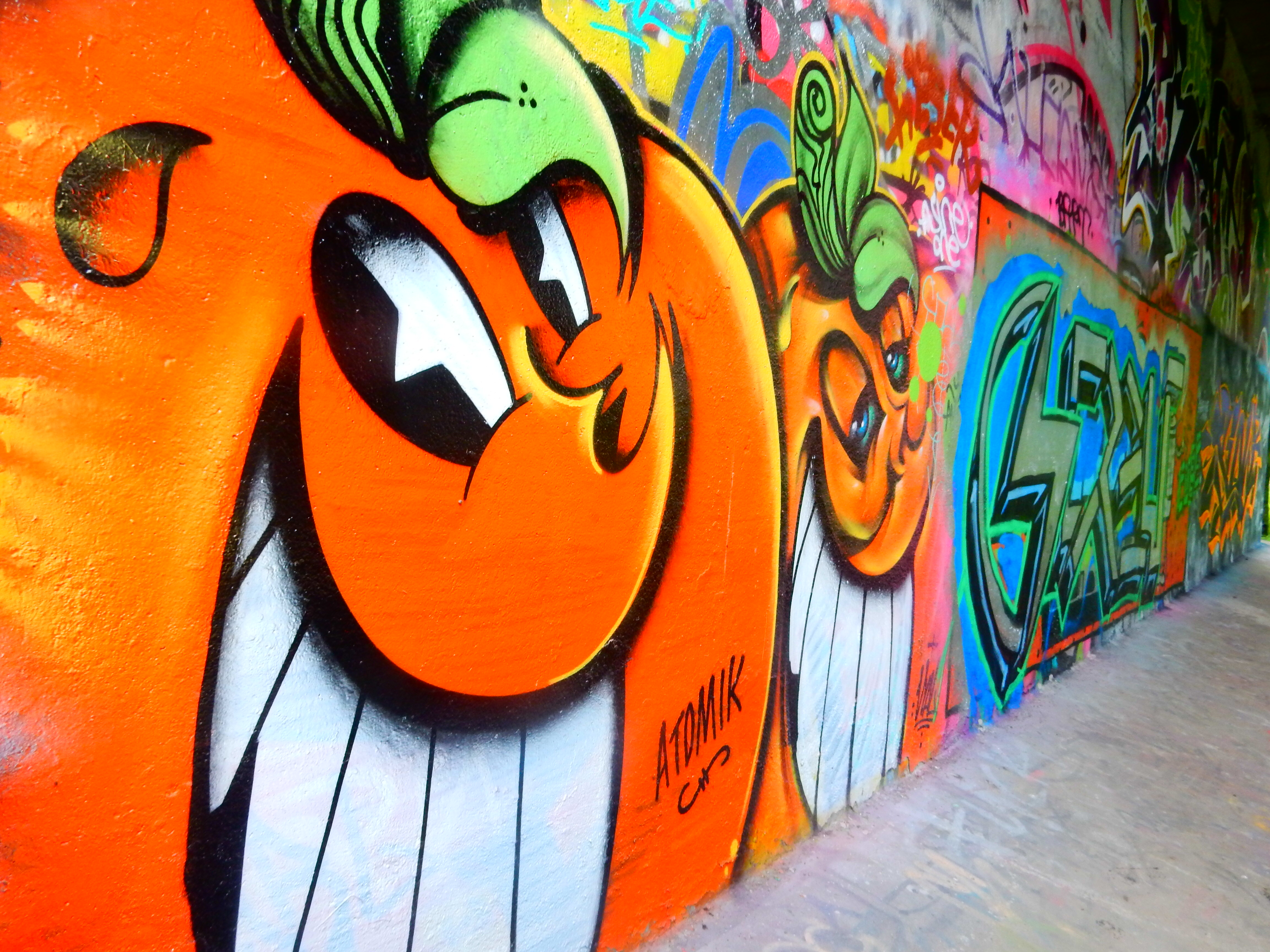 Graffiti wall amsterdam - Locals Told Me About A Legal Graffiti Park One Stop Away From Amsterdam Centraal It S Called Flevopark And Some Talented Artists Have Put Their Work On